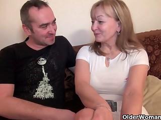 Mom's old body craves toy boy's cum