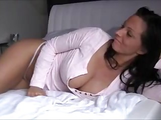 Amateur Mom Ride And Scream - LostFucker