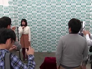 La plus chaude fille japonaise dans Incredible HD, le film Blowjob JAV