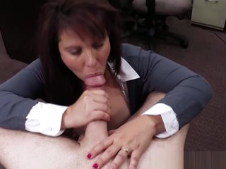 Busty MILF pawns pussy for cash