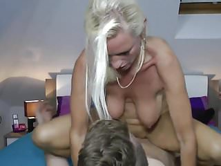 Milf fucks a realy young boy
